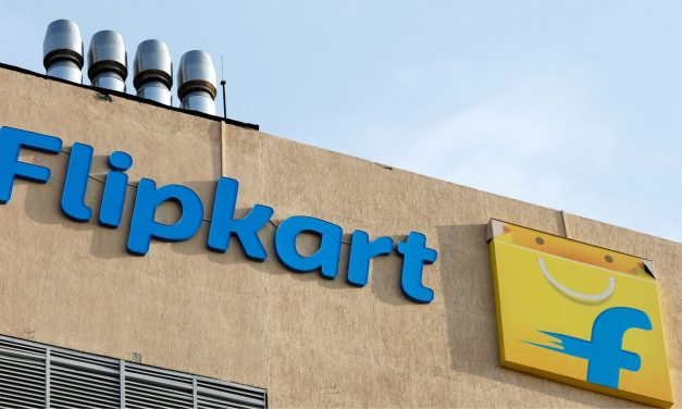 E-Retailers Amazon and Flipkart are at Loggerheads with the Regulatory Authorities